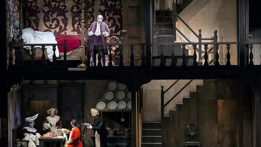 El éxito de una ópera bufa para cerrar una semana trágica en Les Arts