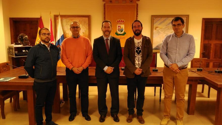 Reunión en el Ayuntamiento de Tijarafe sobre la fibra óptica.