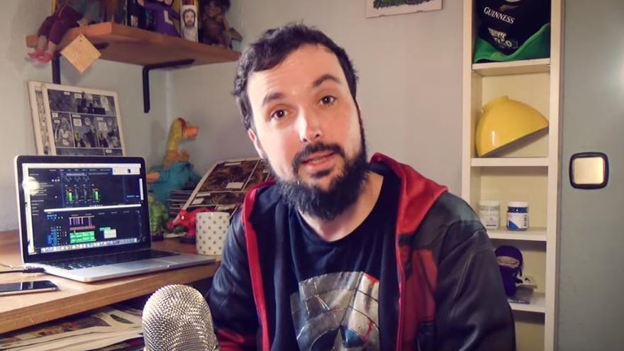Isaac Sánchez, en una captura de uno de sus vídeos de YouTube como 'Loulogio'