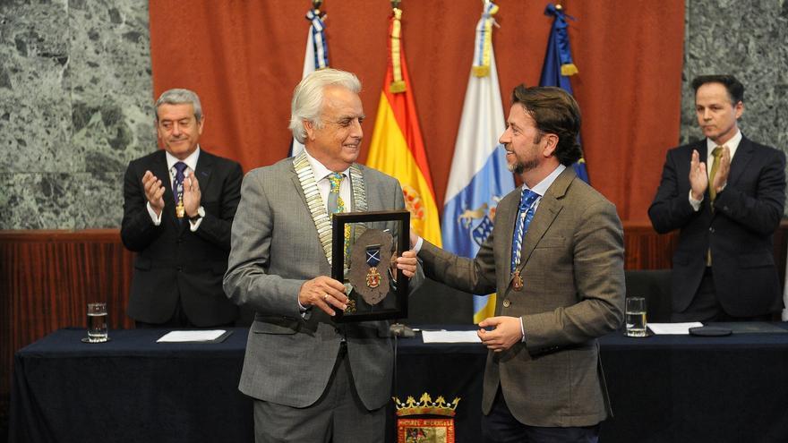 Acto oficial de entrega de la Medalla de Oro, este viernes en el Cabildo