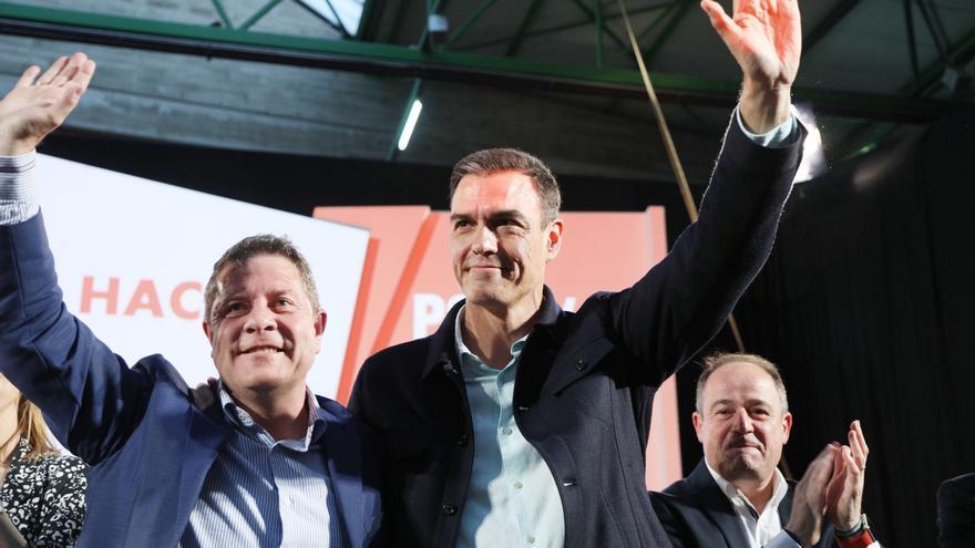 Pedro Sánchez y Emiliano García-Page en un acto en Albacete.