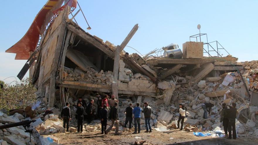 Un hospital Sirio de Médicos Sin Fronteras tras ser bombardeado