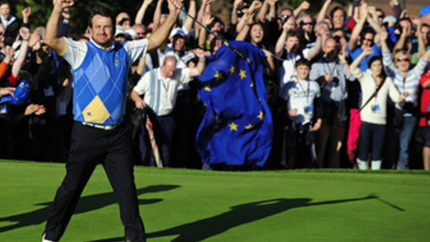 McDowell celebra la victoria de Europa en la Ryder