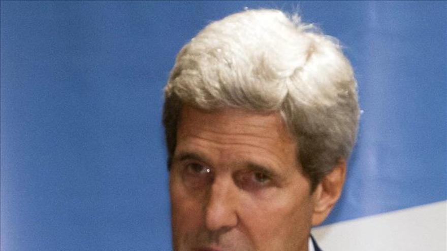 Kerry pide a Catar que deje regresar al país a la pareja estadounidense absuelta