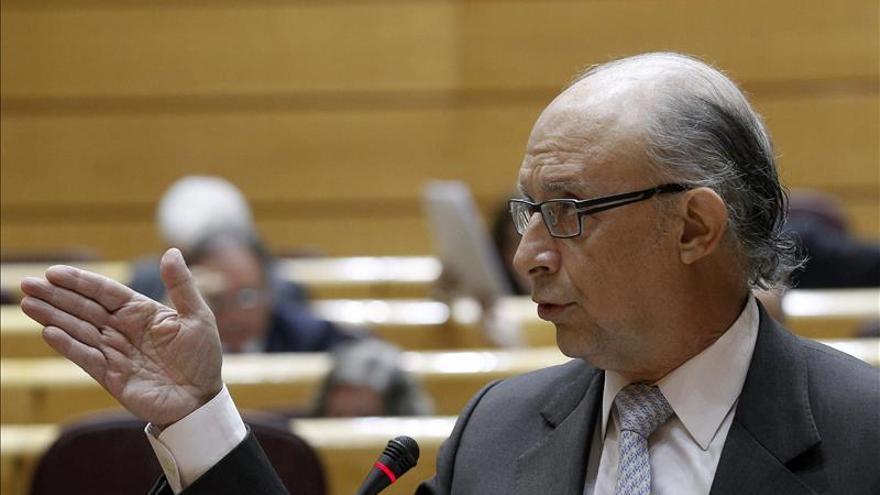 Montoro informará mañana al Consejo de Ministros del déficit público de 2013