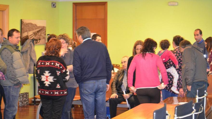 Las familias de 'La Jilguera' han mantenido dos reuniones con el alcalde y la concejala de Educación.