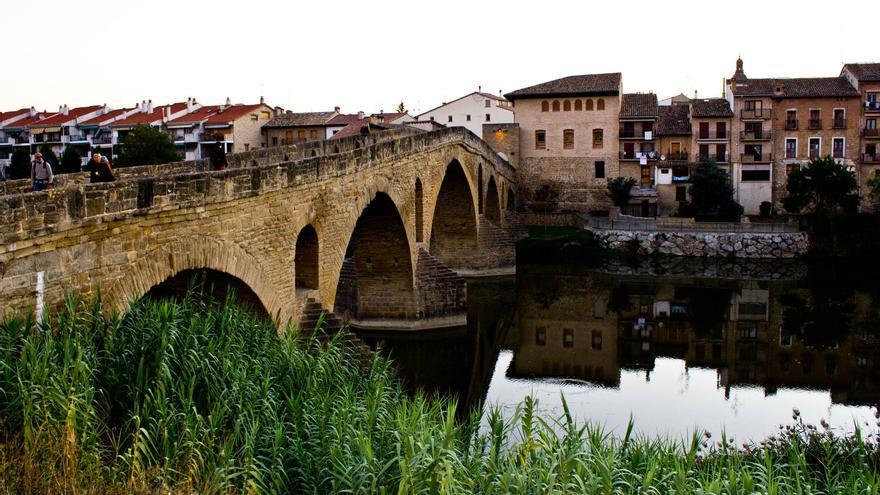 El puente sobre el Río Arga es el comienzo de la etapa entre Puente La Reina y Estella. VIAJAR AHORA