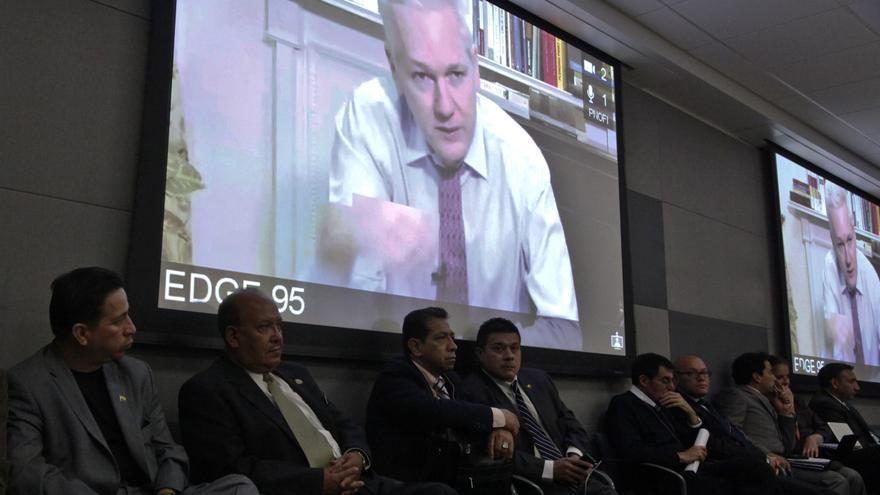 Ecuador no descarta llevar caso Assange a CIJ pero agotará antes diplomacia