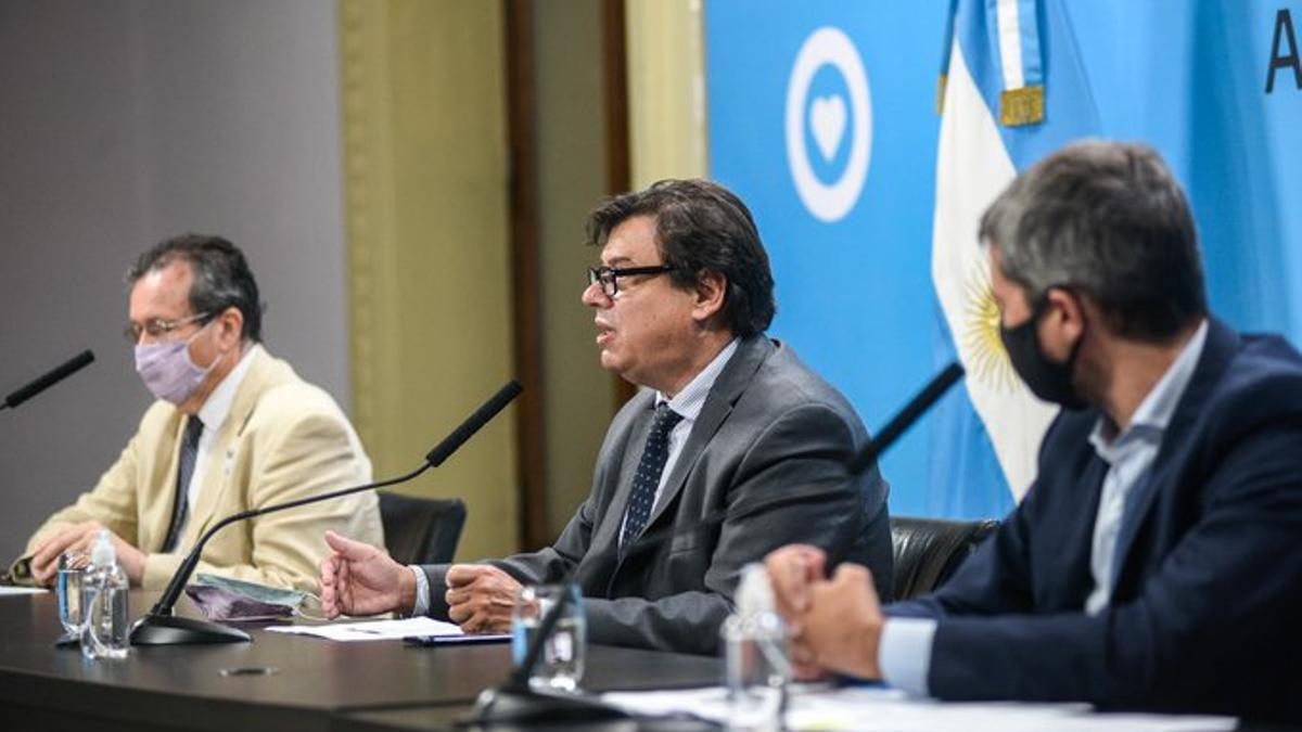 El ministro de Cultura, Tristán Bauer; el de Trabajo, Claudio Moroni, y el de Turismo y Deportes, Matías Lammens