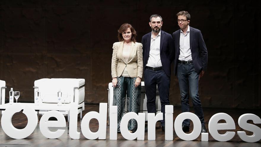 Carmen Calvo, Ignacio Escolar e Íñigo Errejón en la presentación del debate 'La Izquierda' organizado por eldiario.es en CaixaForum Madrid