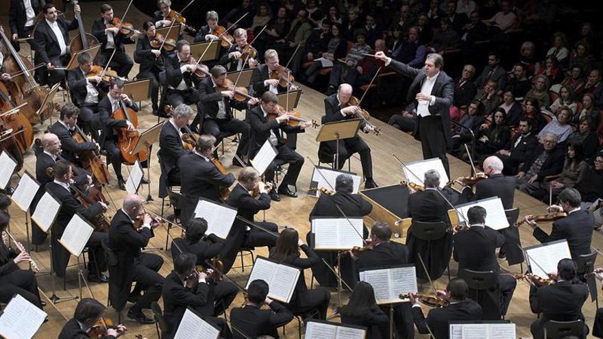 El Teatro Real retransmite a la Filarmónica de Viena en la plaza de Oriente