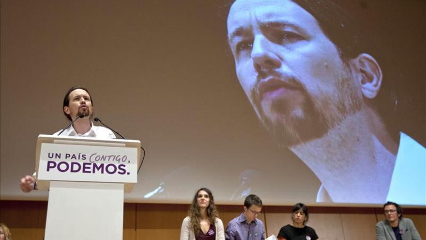 Podemos propone un estatuto que garantice la independencia de los periodistas
