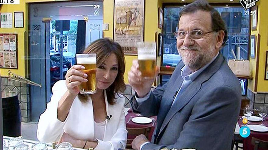 Mariano Rajoy, en un momento de su entrevista con Ana Rosa Quintana en Telecinco