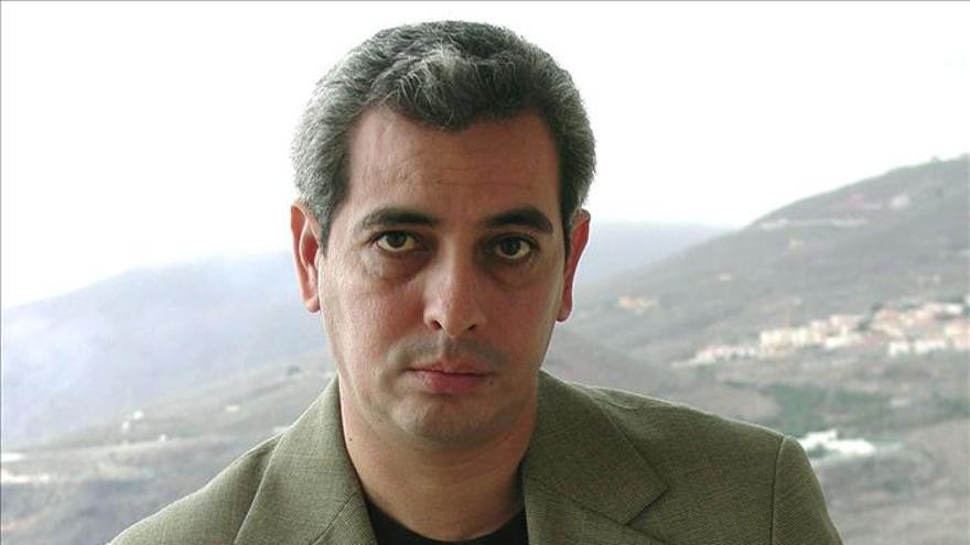 El escritor peruano Jorge Eduardo Benavides gana el premio Torrente Ballester