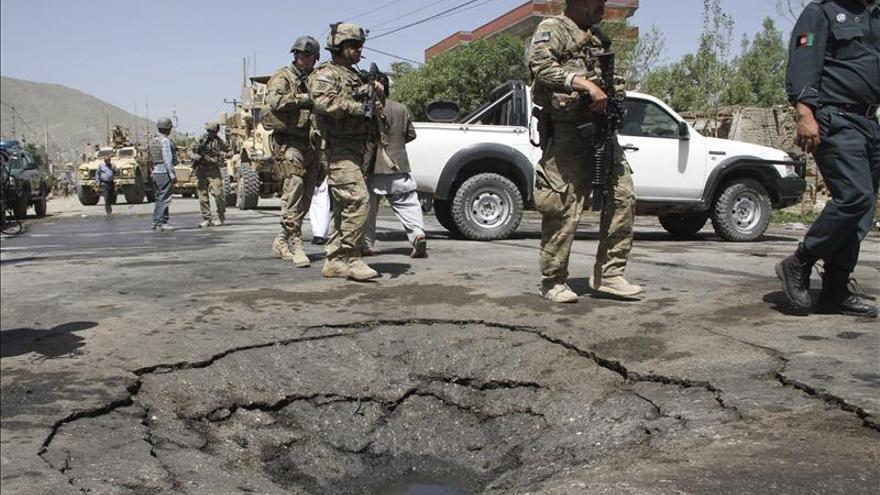 Diez muertos en un atentado suicida contra un jefe provincial en Afganistán