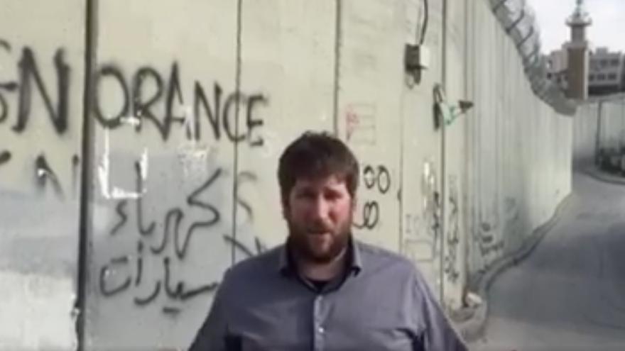 Miguel Urbán, en el muro de Jerusalén.