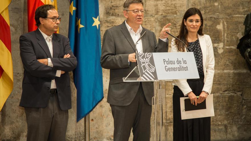 El Conseller de Hacienda, Vicent Soler,el president de la Generalitat, Ximo Puig, y la consellera de Sanidad, Carmen Montón, en el Palau de la Generalitat.