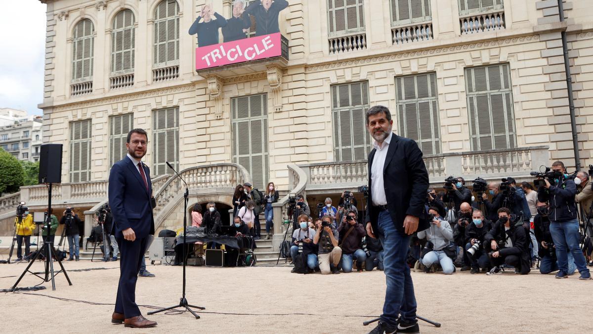 El líder de ERC, Pere Aragonès, y el secretario general de JxCat, Jordi Sanchez, durante la comparecencia conjunta