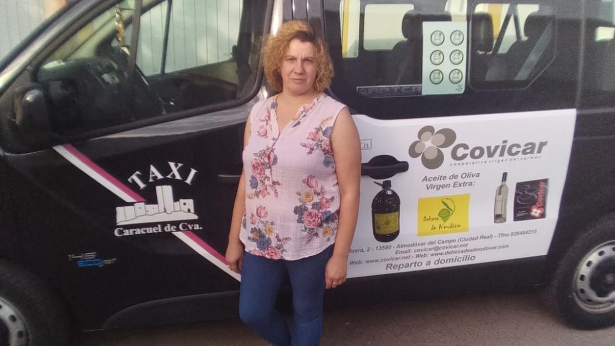 Rocío Amores, taxista en Caracuel de Calatrava (Ciudad Real) con menos de 150 habitantes