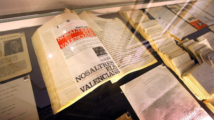 En la exposición, el mecanoscrito original de la emblemática obra de Joan Fuster 'Nosaltres els valencians'