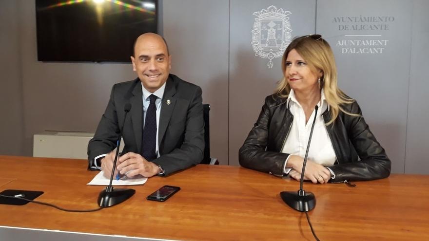Echávarri no dimite y afirma que, mientras haya un socialista, el PP no accederá al gobierno municipal de Alicante