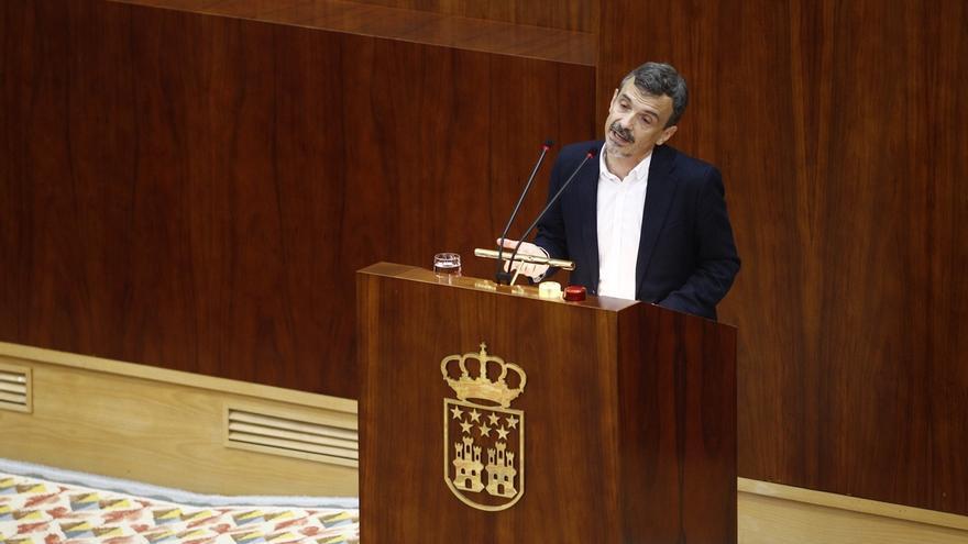 """El 'errejonista' López ve su cese como muestra de """"vieja política"""" al producirse por un """"acuerdo de mesa camilla"""""""