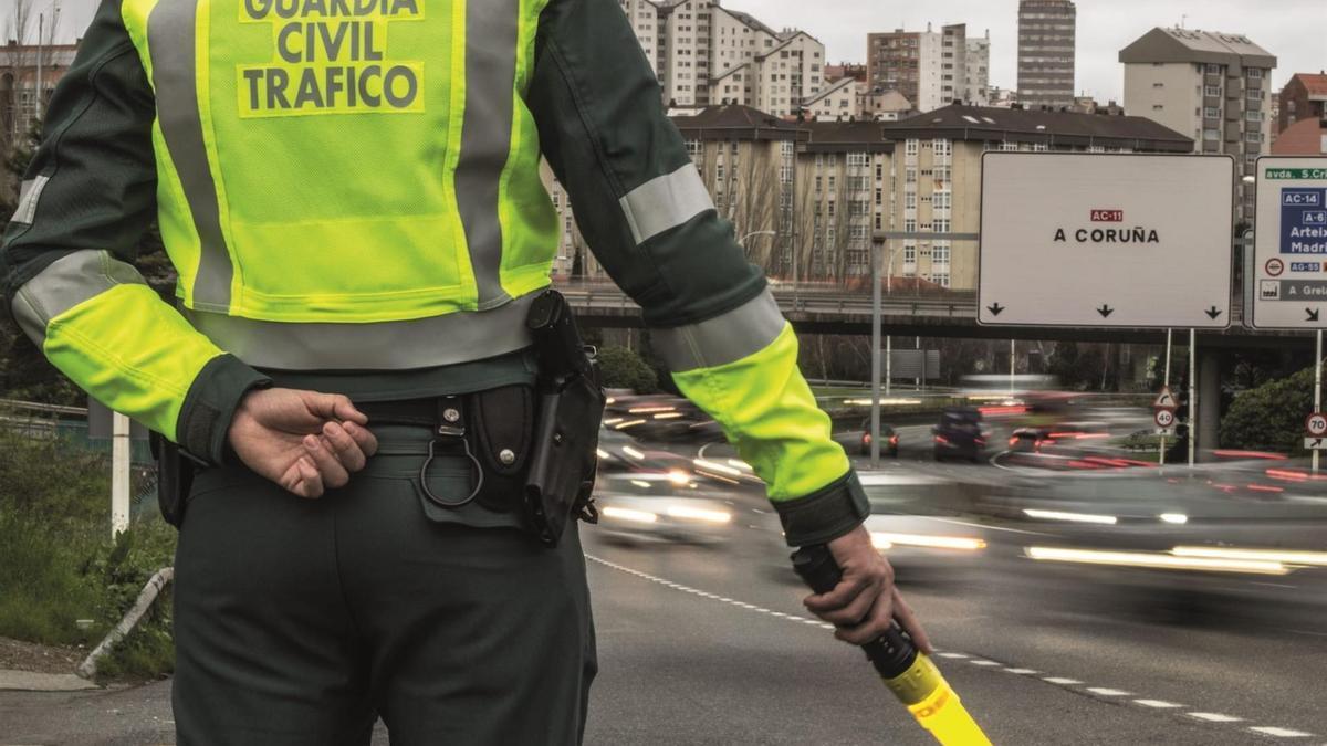 Control de la Guardia Civil en la salida de A Coruña
