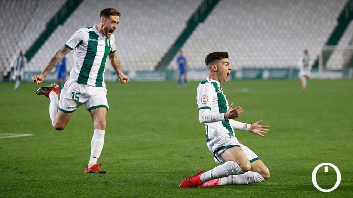 Luismi celebra un gol en El Arcángel