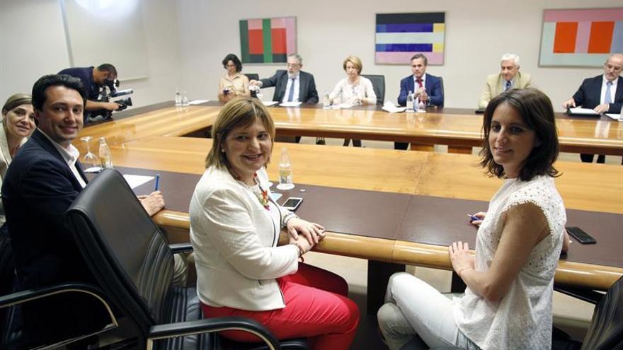 """Levy (PP) preocupada por el """"riesgo"""" de un gobierno """"a la valenciana"""" en España"""