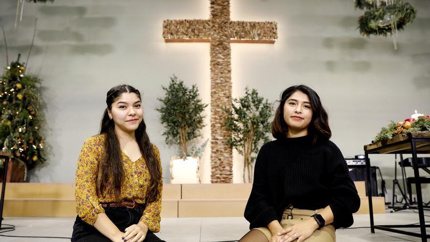 Génesis y María, dos bolivianas evangélicas residentes en España.