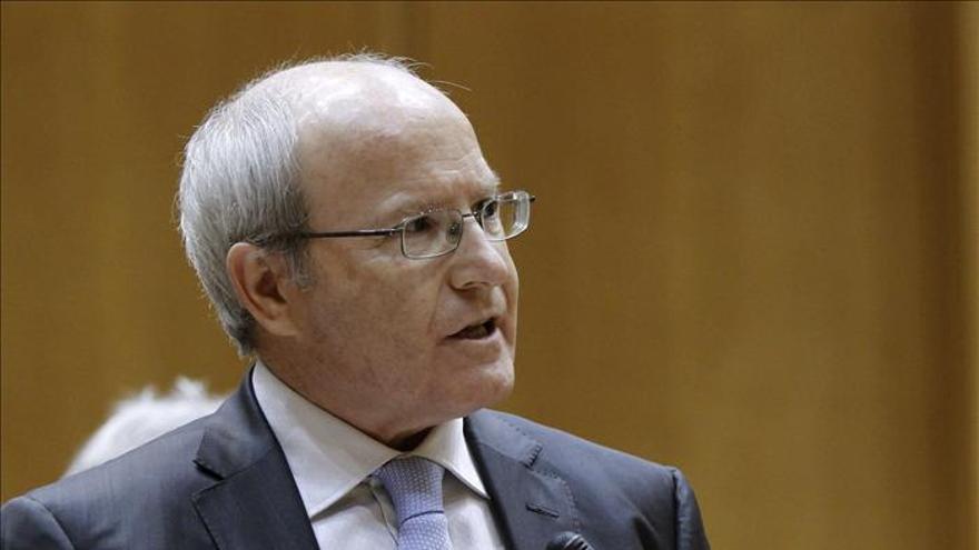Montilla dice que no puede ser tabú que las instituciones del Estado salgan de Madrid