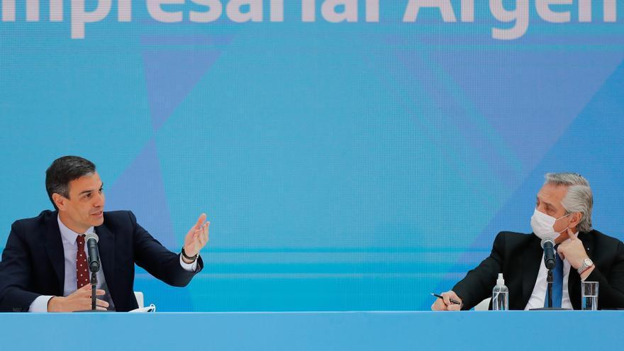 """Sánchez garantiza """"apoyo total"""" a Argentina para lograr un acuerdo con el FMI"""