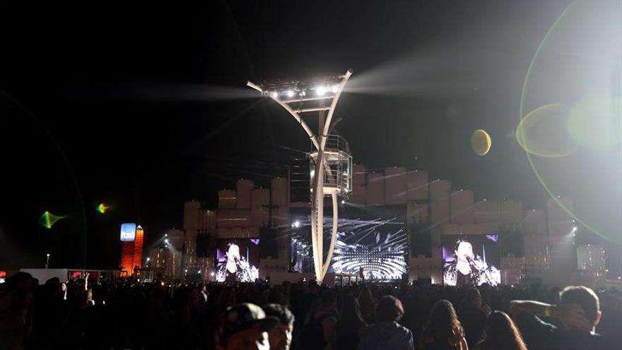 El veterano brasileño Frejat abre con sus éxitos el tercer día del Rock in Río