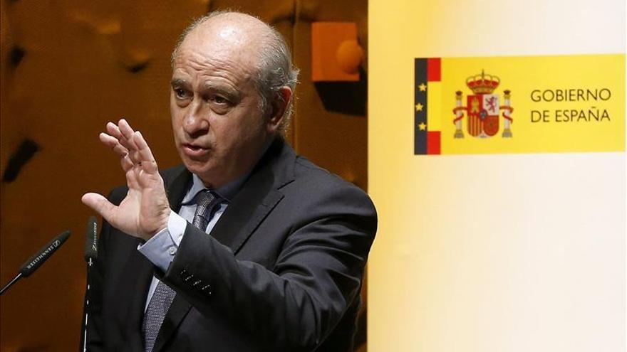 """El ministro subraya el trabajo de Prisiones contra ETA, """"en estado terminal"""""""