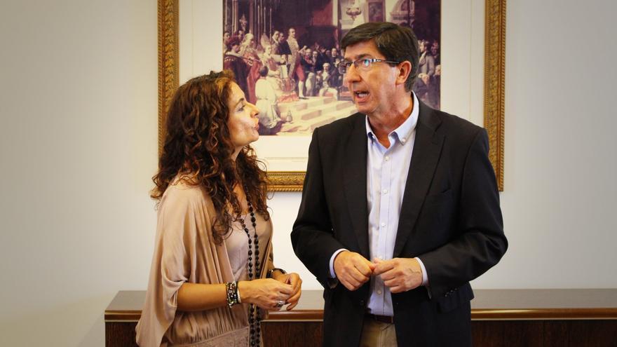 María Jesús Montero con Juan Marín.