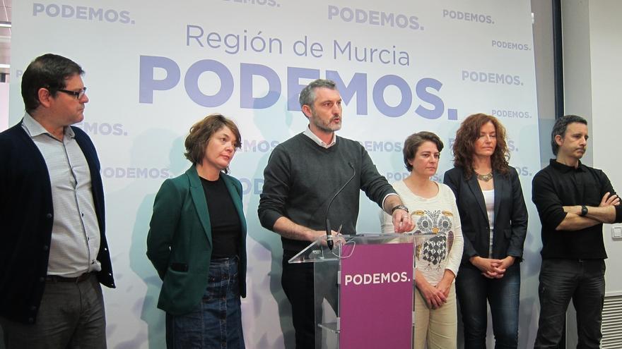 """Podemos: """"la dimisión de Pedro Antonio Sánchez es una estafa que le permitirá seguir gobernando en la sombra"""""""