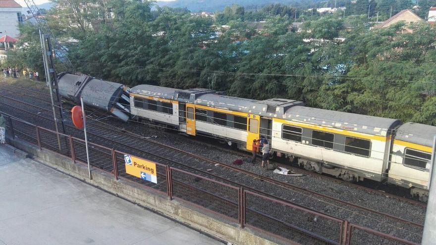 El tren, descarrilado en la estación de O Porriño