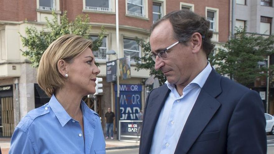 """Cospedal afirma que Sánchez """"ha insultado"""" al país al no apoyar a Rajoy"""