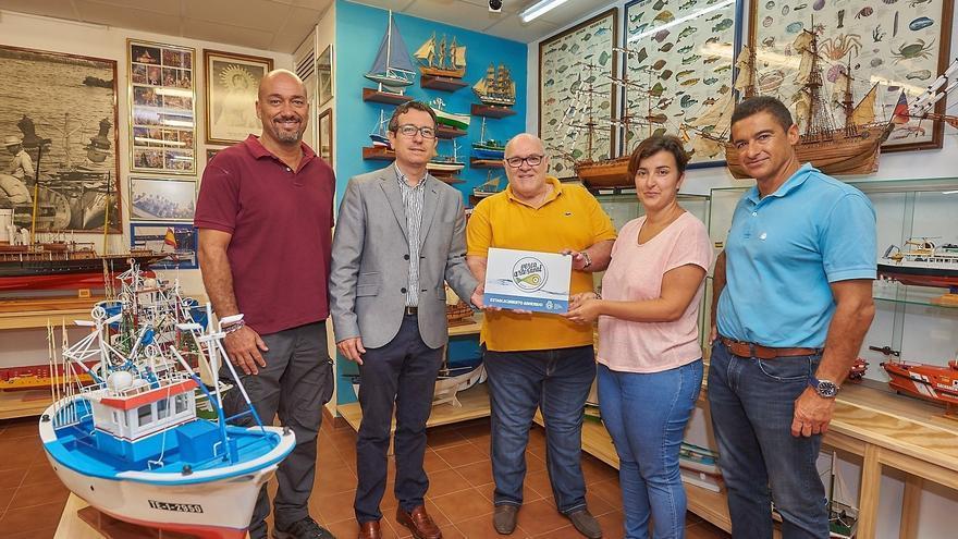 Representantes das cofradías de pescadores de Icod de los Vinos, Garachico y Puerto de la Cruz, así como de los restaurantes Arístides y Ribamar.