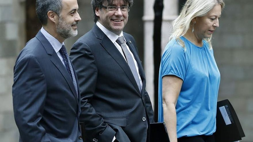 Carles Puigdemont se dirige a la reunión semana del Consell Executiu