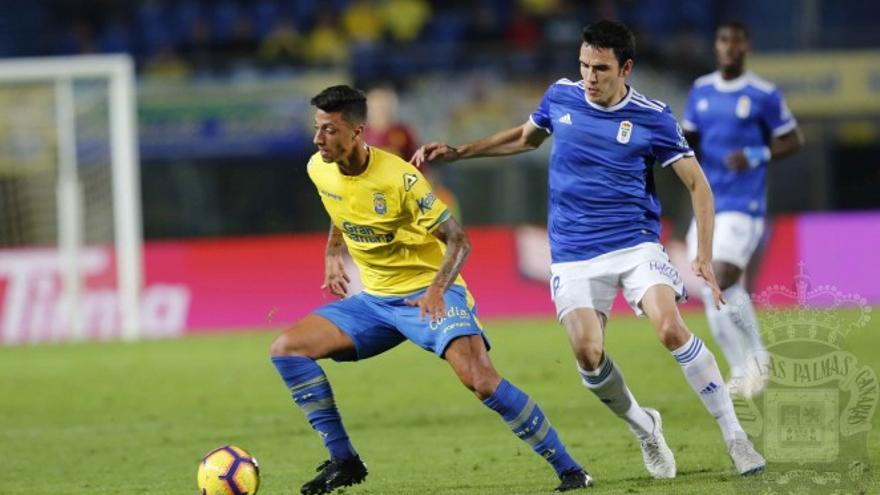 Partido entre la UD Las Palmas y el Real Oviedo.