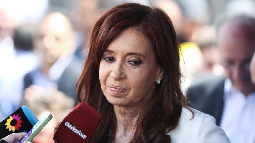 "Dictan ""falta de mérito"" de Cristina Fernández en causa por lavado de dinero"