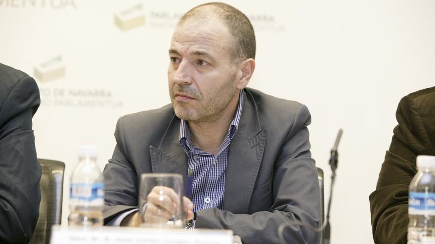 El profesor del Departamento de Economía de la UPNA Juan Carlos Longás / Foto: Parlamento de Navarra, Adolfo Lakunza
