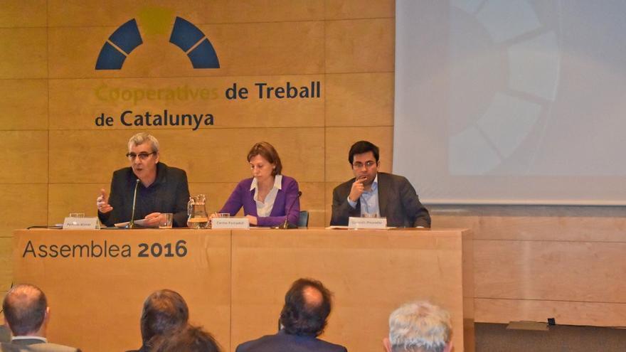 Mesa de l'assemblea de Cooperatives de Treball de Catalunya