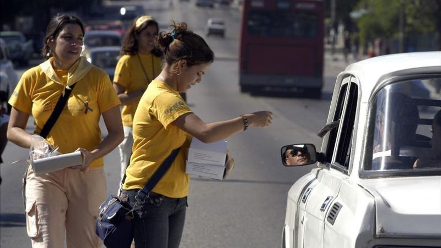 """Cuba prevé un """"ligero aumento"""" de infecciones por VIH en 2013"""