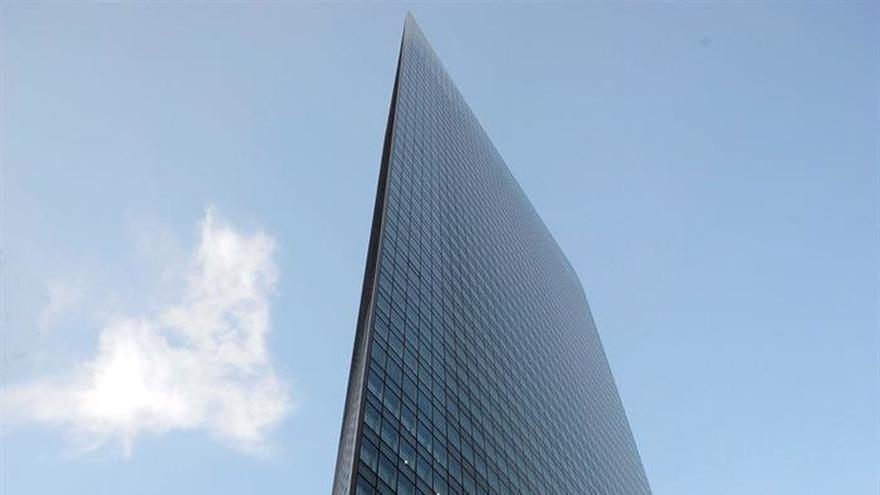 Registran la sede del gigante nipón Dentsu tras las muertes por exceso de trabajo