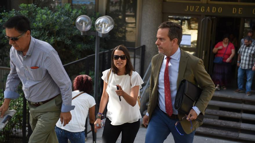 Alicia López de los Mozos en los juzgados de Plaza Castilla