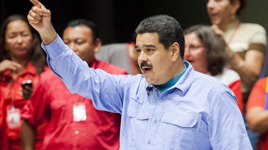 """Maduro dice que las """"emboscadas imperiales"""" no detendrán el camino de su país"""