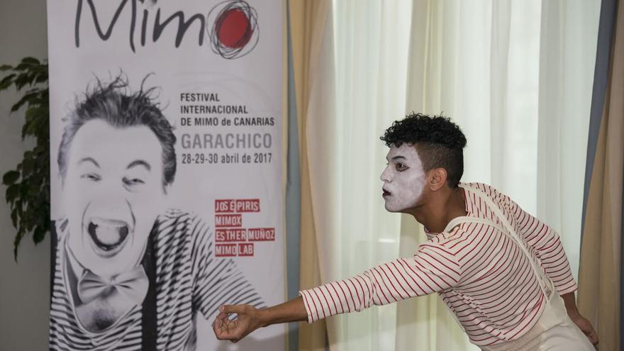 Presentación en Santa Cruz de la muestra internacional de mimo convocada en Garachico
