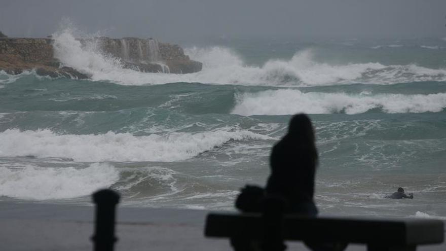 Localizan el cuerpo del bañista desaparecido ayer en una playa de Tarragona